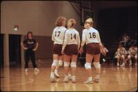 Augsburg women's volleyball players in a group, 1987