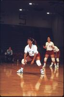 Augsburg women's volleyball player with bent knees, November 1992